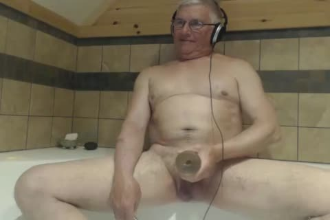 older man love juice On webcam