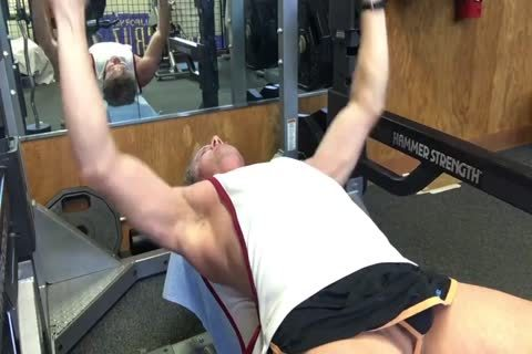daddy's naked Workout